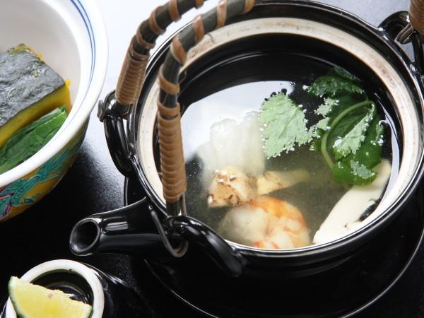 お部屋食×松茸土瓶蒸し付会席◆プライベート重視派にお勧め貸切内風呂無料♪